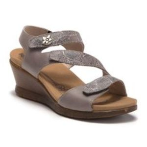 Romika Nevis 07 Sandal SZ: 8  NEW